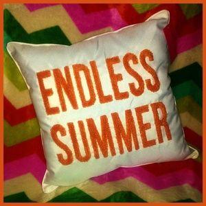 NWT Endless Summer Pillow by Isaac Mizrahi